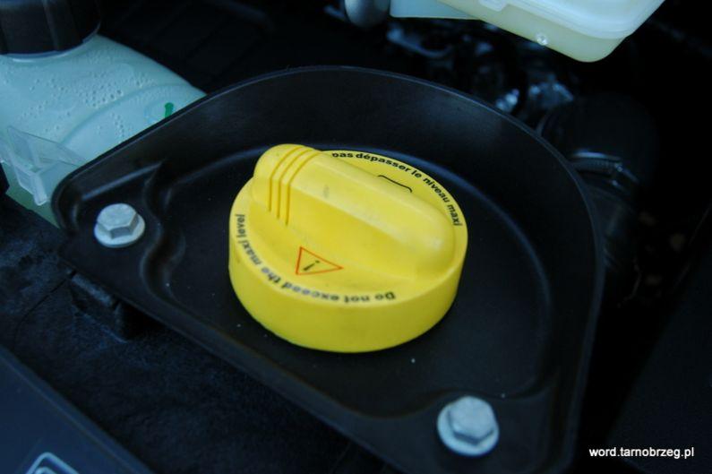 wlew oleju silnikowego 2